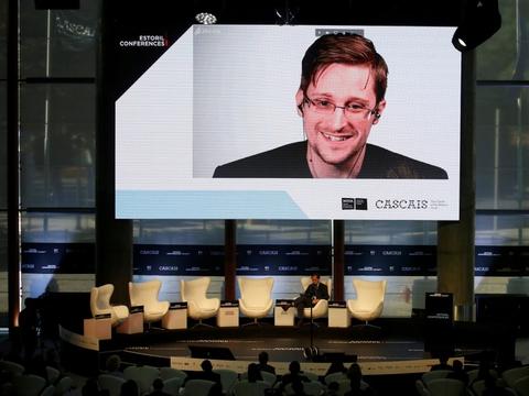 Edward Snowden lever i dag i eksil i Rusland, efter at han i 2013 lækkede store mængder fortrolig data, der afslørede detaljer om USA's masseovervågning. I løbet af den tid, han har levet i eksil, har han deltaget i adskillige debatter og onlinemøder via et videolink fra Rusland. (Arkivfoto).