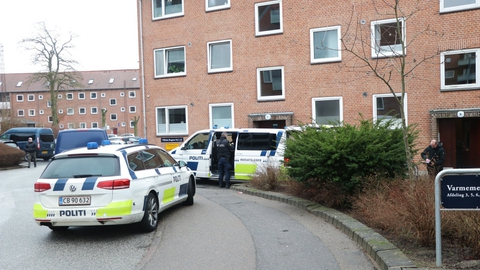 Østjyllands Politi undersøger et mistænkelig dødsfald på Vilhelm Bergsøes Vej i Aarhus V., lørdag den 23. januar 2021.