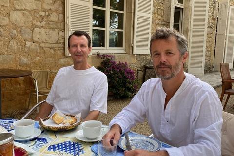 Prins Joachim har de seneste dage haft besøg af sin bror, kronprins Frederik, på Château de Cayx i Frankrig.