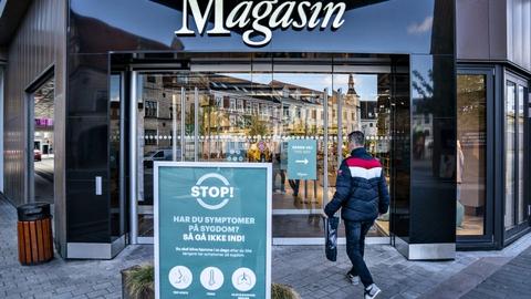 Magasin har grundet lukkede butikker tabt penge det seneste år og kommer ud af året med et minus på driften på 50 millioner kroner. Det er første gang siden 2010, at der er underskud hos kæden. (Arkivfoto)