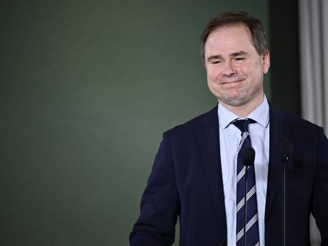 Finansminister Nicolai Wammen (S) kalder genåbningen af detailhandlen for et vigtigt bidrag til at få gang i økonomien igen. (Arkivfoto)