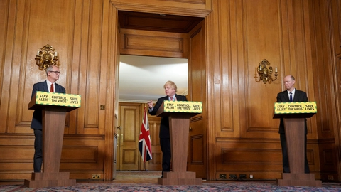 Den britiske premierminister, Boris Johnson, varslede torsdag en række lempelser af Storbritanniens coronarestriktioner.