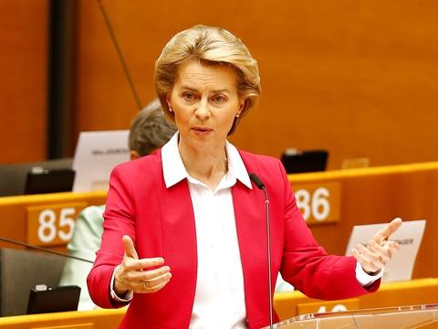 European Commission President Ursula von der Leyen addresses the Plenary of the European Parliament, amid the coronavirus disease (COVID-19) outbreak, in Brussels. (Foto: Johanna Geron/Reuters/Ritzau Scanpix)