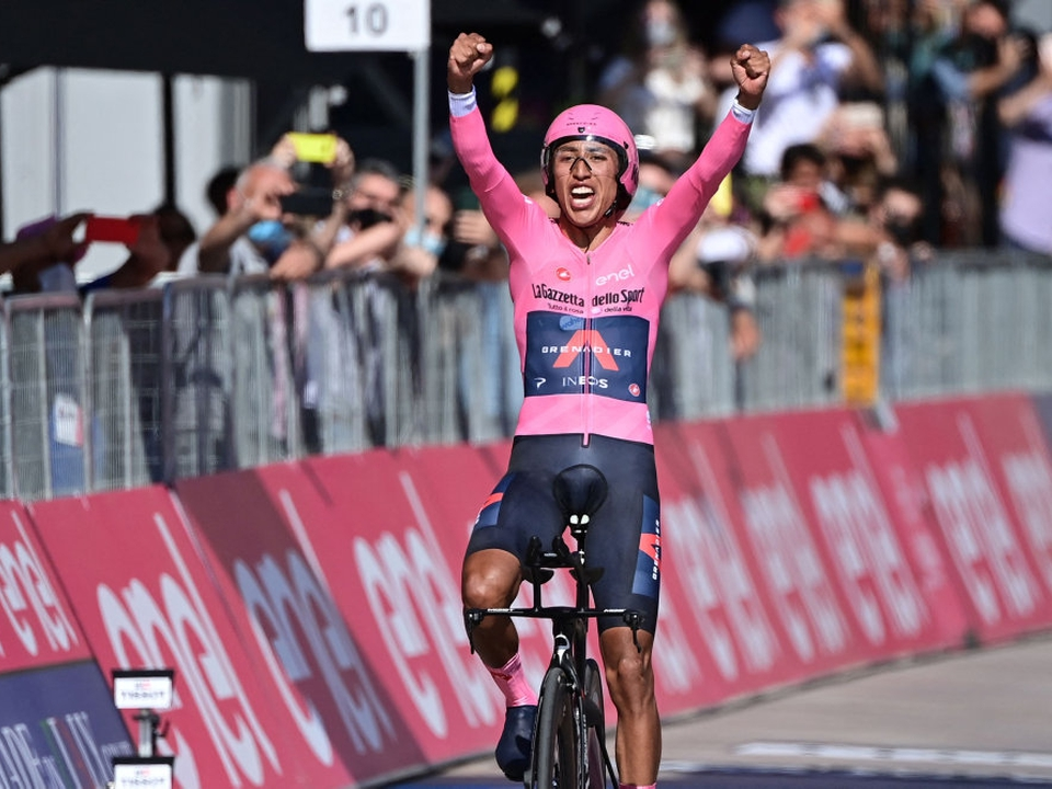 Efter 21 etaper i Italien kan Egan Bernal (Ineos) nu kalde sig vinder af Giro d'Italia.