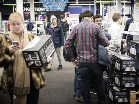 Stigende indkøb af blandt andet elektronik har i januar været med til at trække detailsalget op. (Arkivfoto)