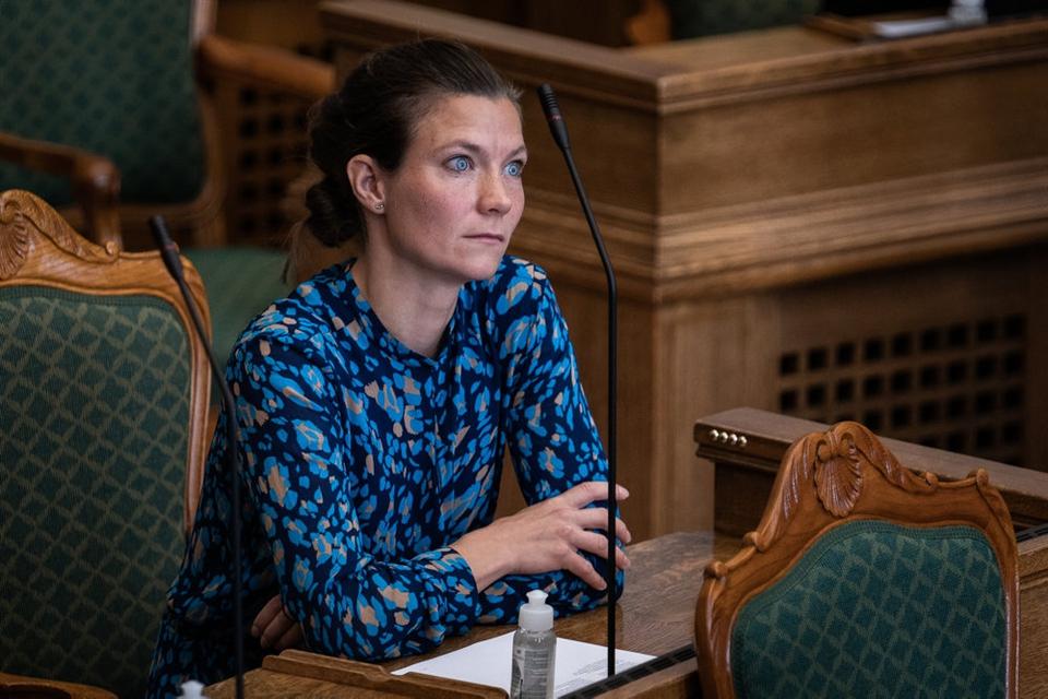 """Lotte Rod (R) skrev på Facebook onsdag aften om Morten Østergaards afgang som politisk leder, at hun var """"ked af, at det er endt her, fordi jeg holder af Morten. Det var ikke min mening"""". Her ses hun under Folketingets åbningsdebat torsdag."""