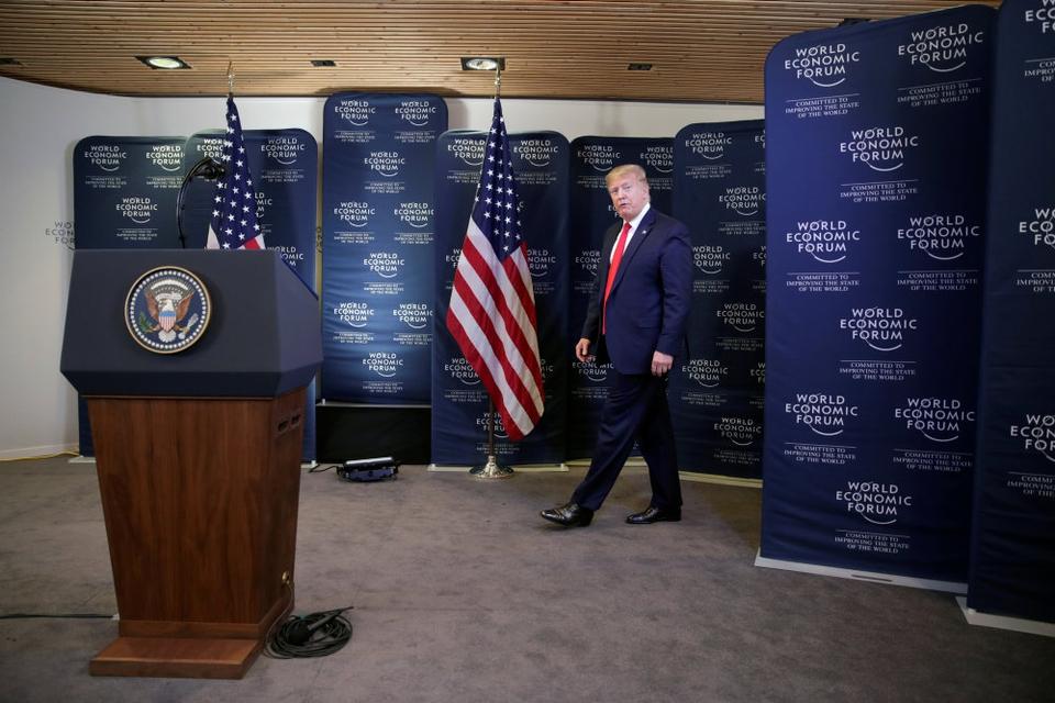 """Præsident Donald Trump siger, at han virkelig gerne ville have truffet den svenske klimaaktivist Greta Thunberg i Davos. Men han understreger, at han ikke ville have haft fokus på hendes vrede mod USA. """"Jeg ville virkelig gerne have mødt hende. Men USA er ikke den rigtige adressat for hendes frustration over, at der ikke gøres noget for klimaet""""."""