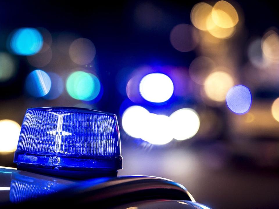 En ung mand er natten til onsdag omkommet i en soloulykke mellem Randers og Aalborg. De pårørende er underettet. (Arkivfoto)