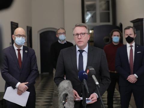 Regeringen, Venstre, Radikale Venstre, Socialistisk Folkeparti og Liberal Alliance har mandag indgået en aftale om erstatning til minkavlere. (Arkivfoto)