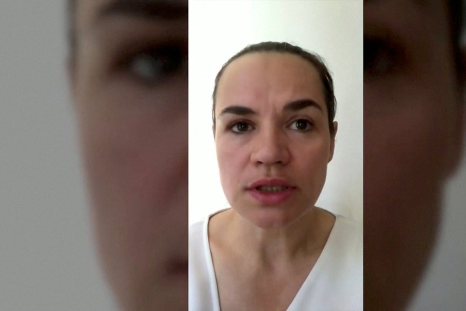 Oppositionslederen Svetlana Tikhanovskaja opfordrer fredag sine tilhængere til at underskrive en erklæring online om en omtælling af stemmerne ved præsidentvalget i Hviderusland.