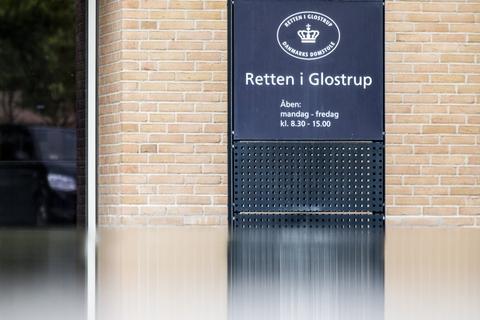 En grov overgrebssag var klar til sin afgørelse fredag morgen. Men Retten i Glostrup var ved en fejltagelse kommet til at udsende en pressemeddelelse, hvori der fremgik, at manden var blevet kendt skyldig samt straffen for overgrebene. På grund af pressemeddelelsen skal retssagen nu gå om. (Arkivfoto)