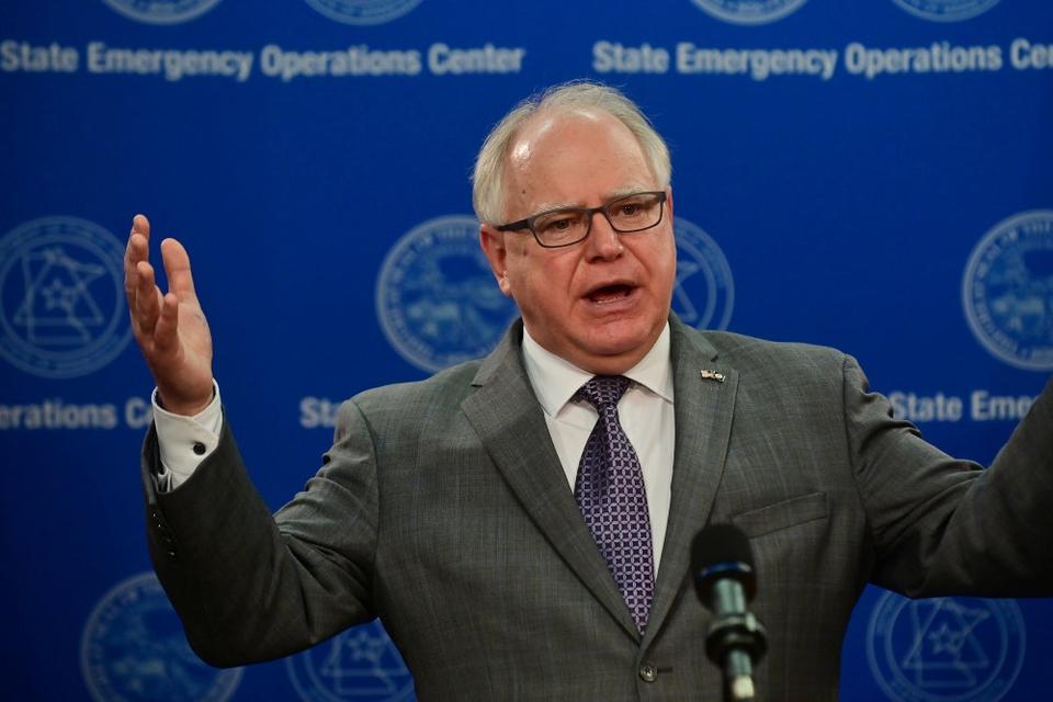 Guvernør Tim Walz offentliggjorde anklagen og undersøgelsen ved et pressemøde tirsdag eftermiddag lokal tid. (Arkivfoto.)