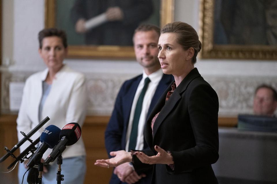 Statsminister Mette Frederiksen (S) præsenterer aftalen om yderligere genåbning af det danske samfund.
