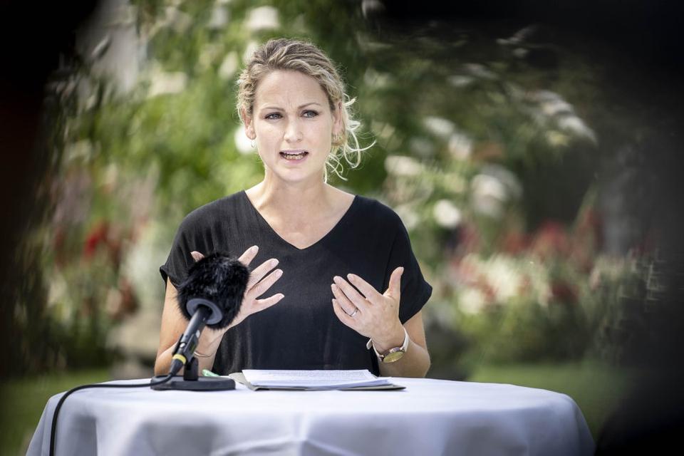 Enhedslistens politiske ordfører, Pernille Skipper, vil under finanslovsforhandlingerne kræve, at der afsættes over en milliard kroner til at forbedre forholdene i ældreplejen. (Arkivfoto).