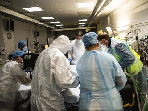 I slutningen af marts kan antallet af indlagte med covid-19 på de danske hospitaler igen begynde at stige, vurderer overlæge. (Arkivfoto)