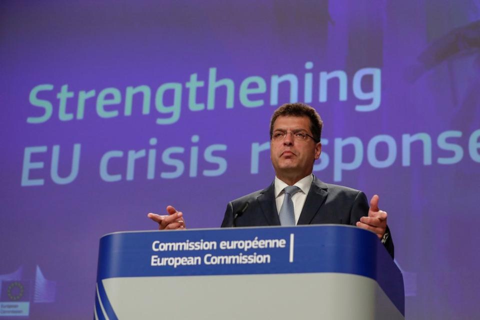 EU-Kommissionen vil sikre, at ingen EU-lande står alene, når de skal håndtere fremtidens kriser, selv om flere medlemslande bliver ramt af krise samtidigt. (Arkivfoto)