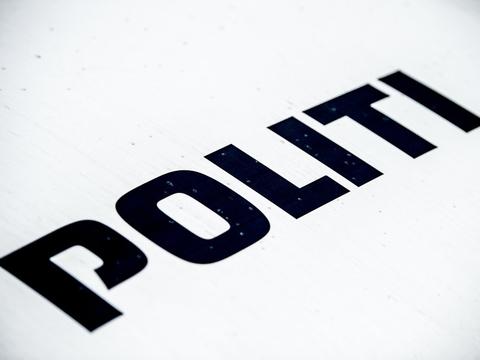 Østjyllands Politi har fire gange sigtet en ejer af et wellnesscenter for at holde åbent i strid med reglerne.