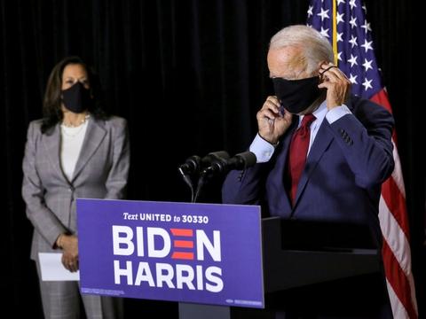 Joe Biden og Kamala Harris vil give samtlige amerikanske statsborgere lige adgang til en vaccine.