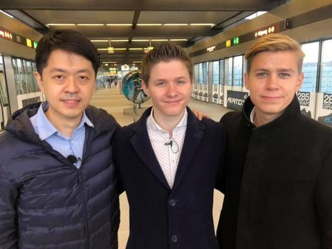Anders Storgaard sammen med Ted Hui (tv) og Thomas Rohden (th), da Ted Hui var i Danmark i december.