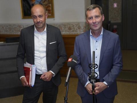 """Justitsminister Nick Hækkerup (S) (t.h.) understreger forud for de kommende forhandlinger, at """"alt er i spil"""". - Der er ingen elementer i aftalen, der er sikre, før der er en samlet aftale, siger han."""