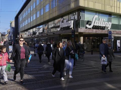 Genåbningen har alt i alt været en succes, mener Dansk Erhverv. Men alle butikkerne skal med, mener markedsdirektør Henrik Hyltoft. (Arkivfoto)