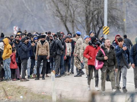 Frygt for en massiv migrationsstrøm op gennem Europa er en del af baggrunden for, at Danmark tilbyder at sende et Challenger-overvågningsfly samt at yde hjælp til Grækenland og Bulgarien. (Arkivfoto)