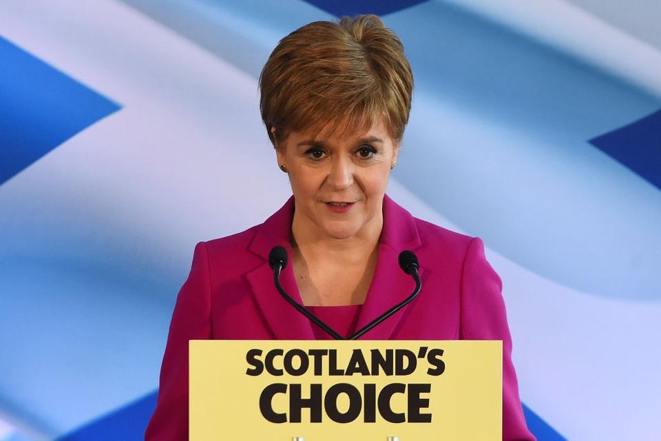 Skotterne sagde i 2014 nej til løsrivelse, men det forestående brexit giver anledning til en ny folkeafstemning, siger lederen af Det Skotske Nationalparti, Nicola Sturgeon.