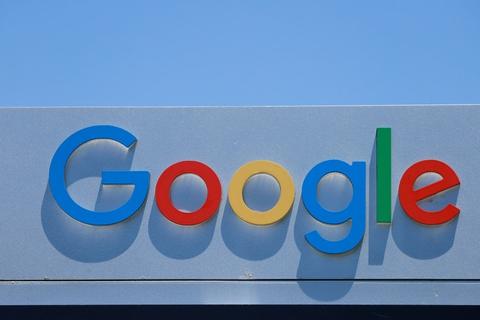 Google er blevet for dominerende på markedet for søgninger og annoncering på søgemaskiner, mener USA's justitsministerium. (Arkivfoto)