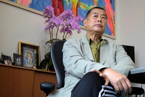 """Mediemogulen Jimmy Lai, som blev anholdt for at kritisere det kinesiske styre i Hongkong, opfordrer til """"tålmodig"""" kamp for demokrati. Lai er blevet løsladt mod kaution, efter at han blev anholdt på baggrund af en ny omstridt national sikkerhedslov. (Arkivfoto)"""