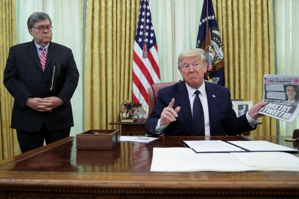 USA's præsident, Donald Trump, underskrev torsdag eftermiddag et dekret målrettet de sociale medier.