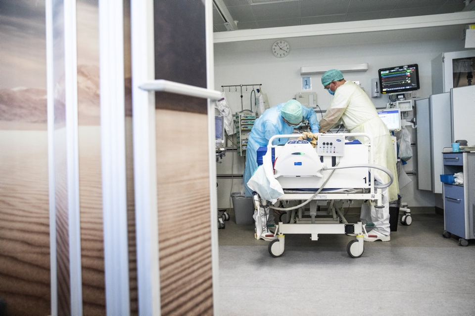 Coronavirus er fortsat en ny epidemi. Der er derfor endnu ingen der ved, hvordan personer der har været hårdt ramt af virusset, bliver påvirket på længere sigt. Det skal et nyt studie fra Region Midtjylland gøre os klogere på. (Arkivfoto).