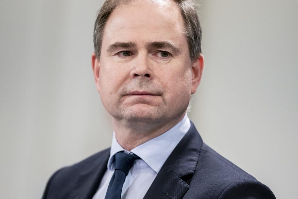 """Finansminister Nicolai Wammen (S) kalder det en """"investering i genåbning"""" at øge testkapaciteten markant. Han afviser at det vil koste omkring 100 milliarder kroner årligt at teste alle to gange om ugen. (Arkivfoto.)"""