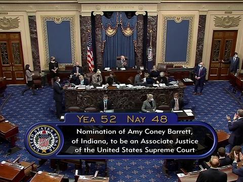 Susan Collins var den eneste af Senatets 53 republikanske medlemmer som brød partilinjen og sammen med de demokratiske senatorer stemte mod Amy Coney Barrett som ny højesteretsdommer.