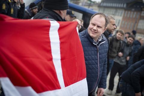 Martin Henriksen (DF) synes, at Morten Messerschmidt skal koncentrere sig om sin post som partiets næstformand. Ifølge Henriksen skal Messerschmidt ikke tale om så meget om, at han en dag gerne vil være formand. (Arkivfoto)