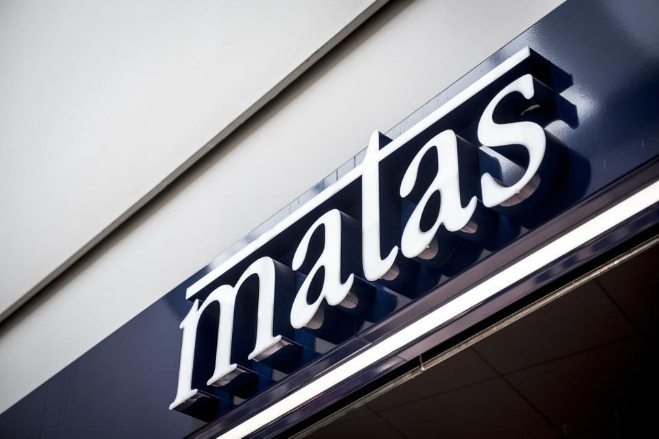"""Matas bremser salget af en fiskeolie, hvor ordet """"eskimo"""" indgår i navnet, indtil producenten har fundet en løsning. Det sker sommerens debat om ordet og henvendelser fra kunder, som finder ordet stødende. (Arkivfoto)."""