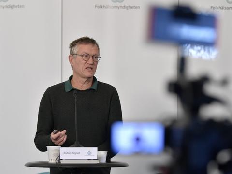 Antallet af registrerede nye coronadødsfald i Sverige er onsdag 88. I alt 3831 er døde med Covid-19. Det oplyser statsepidemiolog Anders Tegnell fra de svenske sundhedsmyndigheder.