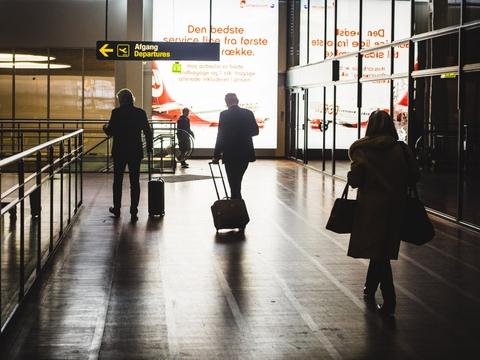 De seneste måneder har alle rejser til udlandet været frarådet, men fra onsdag erhvervsrejser ikke blive frarådet længere. (Arkivfoto)