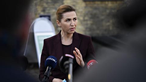 Danmark er villige til at betale andre lande en god pris, hvis de har overskydende coronavacciner, lød det fra statsminister Mette Frederiksen (S) fredag morgen.