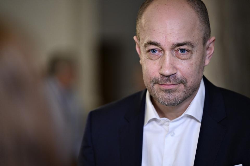 Sundhedsminister Magnus Heunicke (S) håber, at dele af samfundet kan åbnes op fra marts. (Arkivfoto)