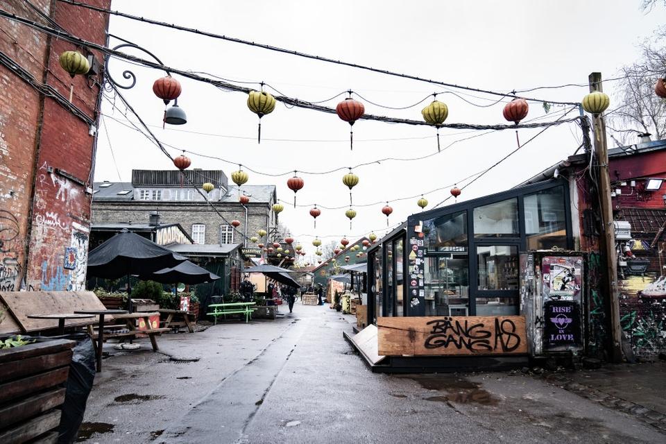 Der har siden 7. januar været opholdsforbud i Pusher Street og Green Light District på Christinia. Nu er Christinias hovedindgange også spærret af. (Arkivfoto)