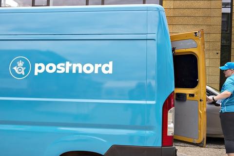 PostNords resultat er trukket op af færre udgifter til ansatte samt kompensation fra den danske stat, som PostNord får for at levere breve til alle afkroge af Danmark. (Arkivfoto)