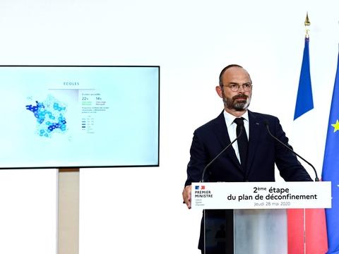 Den franske premierminister, Édouard Philippe, løftede torsdag sløret for en genåbning af samfundet fra næste uge.