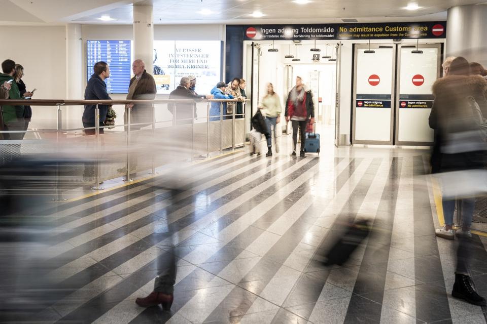 Hvis man som udenlandsk statsborger rejser til Danmark for tiden, kan man forvente at blive afvist ved grænsen, hvis ens eneste formål er at besøge sin ægtefælle her i landet. (Arkivfoto)