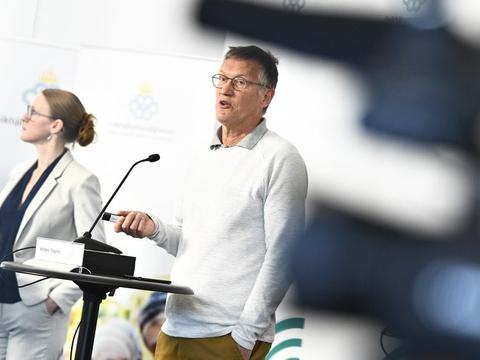 Главный эпидемиолог Швеции признал необходимость карантина в борьбе с COVID-19