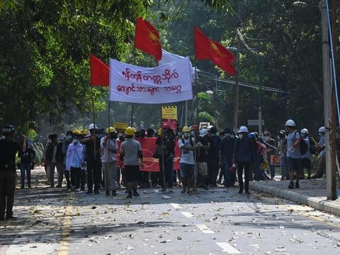 Protester har den seneste måned præget storbyer i Myanmar efter militærkup.