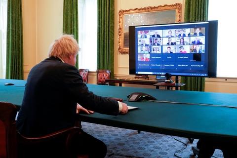 Premierminister Boris Johnson svarede onsdag på spørgsmål om sin toprådgiver, Dominic Cummings, på et online møde i en højtstående parlamentsgruppe.