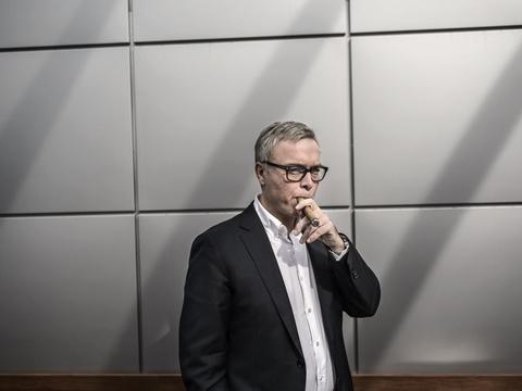 Topchefen for Scandinavian Tobacco Group, Niels Frederiksen, kommer i selskabets kvartalsregnskab med et skøn for hele regnskabsåret, men han understreger, at prognosen på grund af coronakrisen er behæftet med større usikkerhed end normalt. (Arkivfoto).