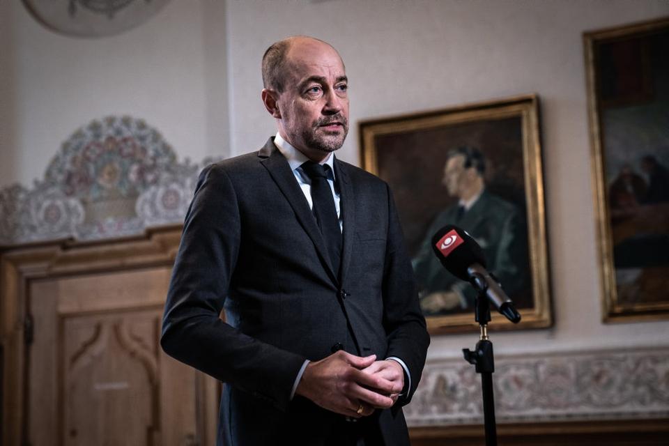 Sundheds- og ældreminister Magnus Heunicke (S) vil klokken 19 holde pressemøde om forlængelse af restriktioner mod udbredelsen af covid-19 i Danmark.