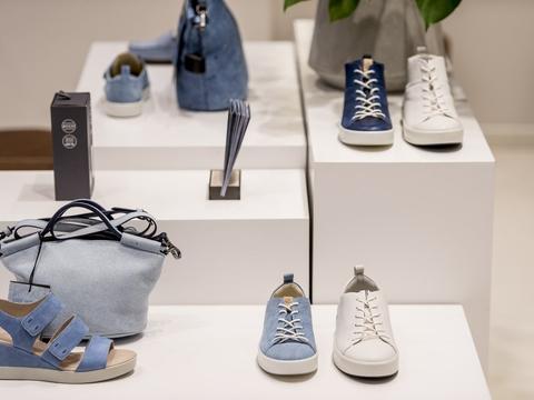 Der har været godt gang i salget af særligt tøj og beklædning i maj. (Arkivfoto)