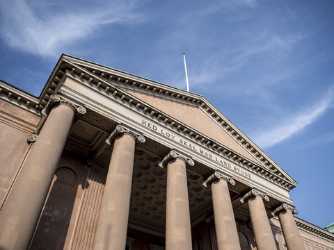 (ARKIV) Københavns Byret. Sagsbunkerne voksede hos byretterne i 2019, viser en opgørelse fra Domstolsstyrelsen. Coronakrisen har lagt yderligere pres på retssystemet. (Foto: Mads Claus Rasmussen/Ritzau Scanpix)